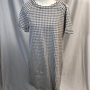 Adorable textured navy & white dress!